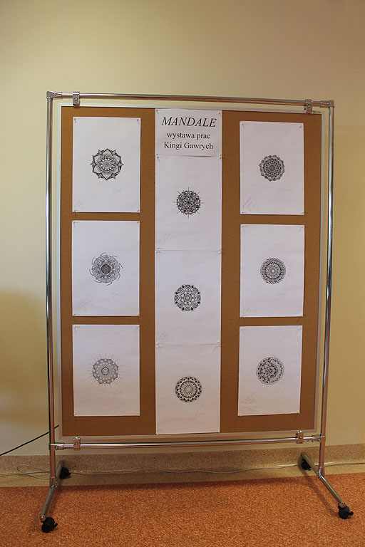 Artykuł: Wystawa 'Mandale'