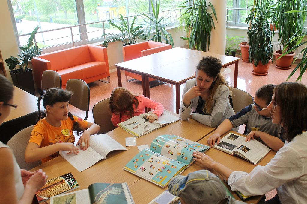 Artykuł: Uczniowie SOSW zwiedzili bibliotekę