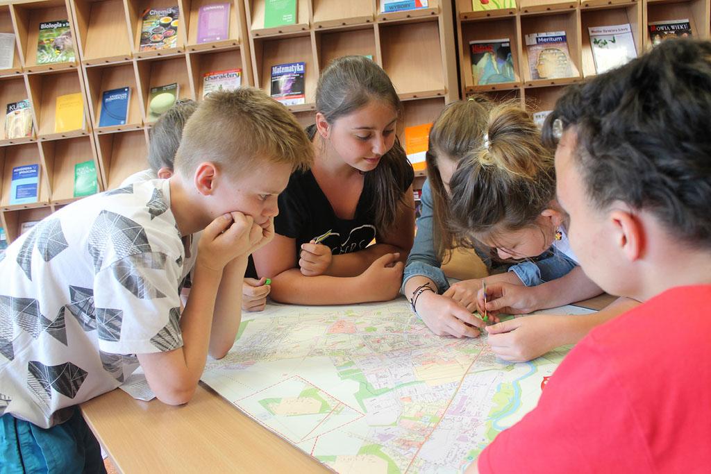 Artykuł: Uczniowie poznali historię Ostrołęki