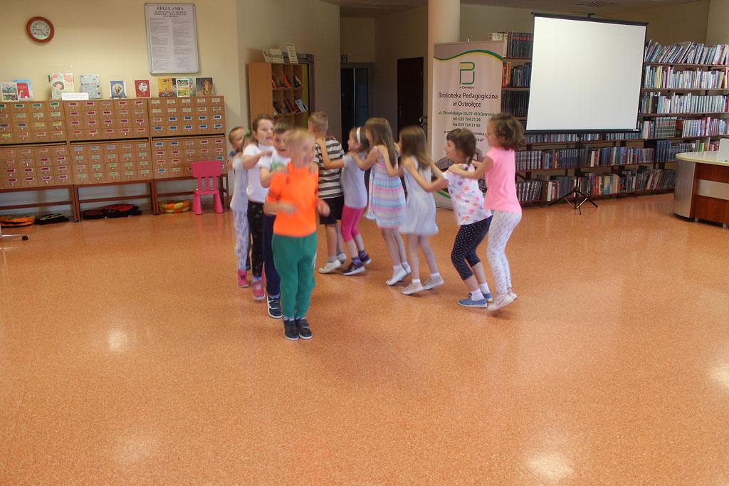 Artykuł: Przedszkolaki na zajęciach czytelniczych