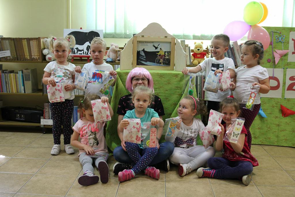 Artykuł: Dzień Dziecka z Walentynką w Bibliotece Pedagogicznej w Wyszkowie